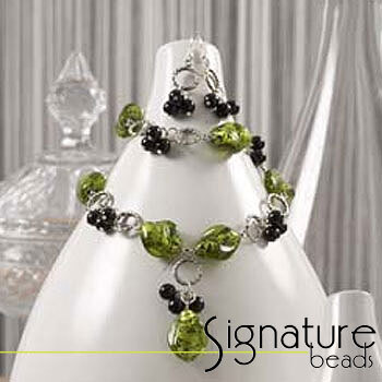 Peridot Green and Black Silver Foil Necklace, Bracelet and Earring Kit