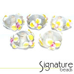 Clear rondelles with white and yellow flowers with a pink centre - Packet of 5