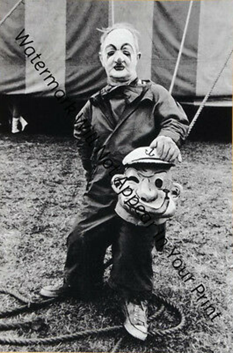 ODD BIZARRE STRANGE WEIRD CREEPY CRAZY FREAKY Scary Clown Cryin Baby VINTAGE PIC